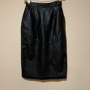Evan Davies (Petites) Leather Skirt. Sz 4